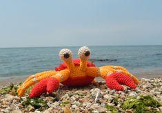 The Little Crab Coconut Free Amigurumi Pattern by Amilovesgurumi. Skill Level: Intermediate Crab amigurumi to crochet! Free Pattern More Patterns Like This! Crochet Fish, Cute Crochet, Crochet Crafts, Crochet Projects, Knit Crochet, Crochet Amigurumi, Amigurumi Patterns, Crochet Dolls, Crochet Patterns