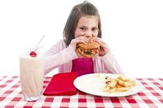 El peligro de la comida rápida para los niños