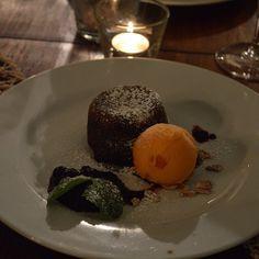 Fondant de Chocolate com Gelado de Tangerina @ Andor Violeta