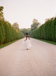 We all know that pretty much everything that the lovely Elizabeth Messina does turns to wedding gold, but this next shoot.it's not simply gold. Elegant Wedding Dress, Best Wedding Dresses, Chic Wedding, Perfect Wedding, Wedding Photography Inspiration, Wedding Inspiration, Elizabeth Messina, A Line Bridal Gowns, Paris Girl