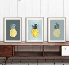 3 affiches ananas avec motifs géométriques tendances par alexiableu, tendance ananas, cadeau femme, cadeau ado, cadeau collègue, cadeau déco,