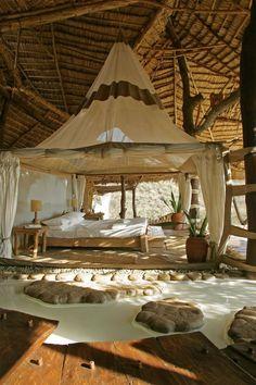 Jurnal de design interior - Shompole Lodge - un resort idilic în Kenya Interior And Exterior, Interior Design, Beach Cottages, Glamping, Architecture, Lodges, Sweet Home, House Plans, House Design
