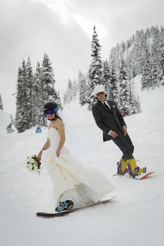 Wedding at Sunshine Village Ski and Snowboard Resort. Photo Credit Mark Eleven Photography they only way I'd get married lol Ski Wedding, Dream Wedding, Snowboard Wedding, Wedding Wall, Wedding Shoot, Wedding Dresses, Ski Vintage, Ski Et Snowboard, Snowboarding Gear
