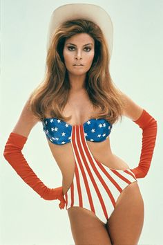 "Glamorous Photos of Raquel Welch in ""Myra Breckinridge"" can find Raquel welch and more on our website.Glamorous Photos of Raquel Welch in ""Myra Breckinridge"" Rachel Welch, Hollywood Icons, Vintage Hollywood, Classic Hollywood, Hollywood Stars, Diana, Terry O Neill, Farrah Fawcett, Famous Women"