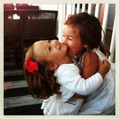 need to get a pic of the girls hugging/kissing like this!