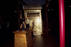 Tutankhamon s exhibition in frankfurt - Anubis and one of the gold chambers