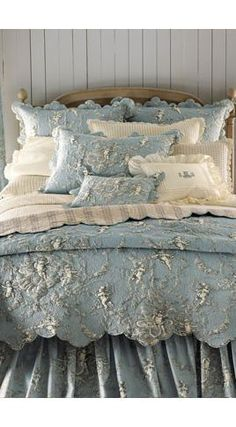 who said shabby chic has to always be pink or white. This bed spread is beautiful