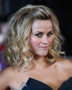 hairstyles for square faces thick hair | Reese Witherspoon Wavy Hairstyles | Popular Haircuts