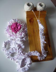 Two string rag rug loom