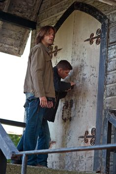 Every now and then I see a photo like this and I'm reminded of how damn tall Jared is!