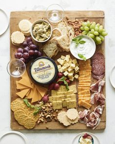 Spring Cheese Board / everything you could possibly need for the perfect cheese board!