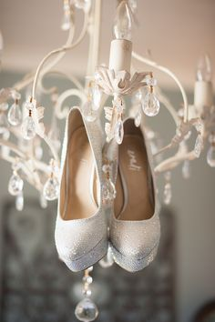 New Zealand Modern Chic Wedding photographed by Meredith Lord Photography filled to the brim with hand-crafted wedding details. All White Wedding, Chic Wedding, Wedding Details, Dream Wedding, Wedding Ideas, Bridal Shoes, Wedding Shoes, Cool Winter, Sparkle Outfit