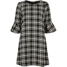 River Island Black and white check flute sleeve dress (435 MAD) ❤ liked on Polyvore featuring dresses, jersey knit dresses, three quarter sleeve dress, black and white checkered dress, boat neck dress and sleeved dresses
