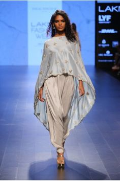 Payal Singhal Indian Wear Collection : : Ittar : Powder Blue Silk Embroidered Scallop Hem Cape Worn With Dove Grey Pleated Low Crotch Pants. Indian Wedding Outfits, Indian Outfits, Pakistani Dresses, Indian Dresses, Indian Designer Suits, Indian Couture, Western Dresses, Bollywood Fashion, Designer Dresses