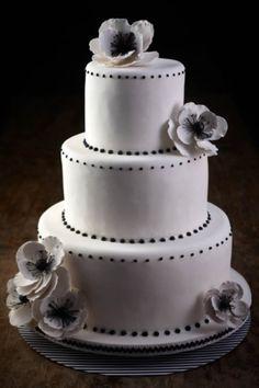 95 Stunning Black And White Wedding Cakes   HappyWedd.com