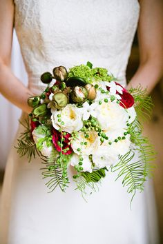 #bouquetPhotography: Andi Hatch Photography - andihatchphoto.comFloral Design: Chestnut & Vine Floral Design - chestnutandvine.comRead More: http://stylemepretty.com/2012/07/18/bay-area-wedding-by-andi-hatch-photography/