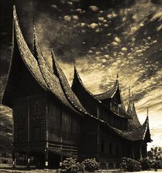 Pagaruyuang Palace, Minangkabau Empire - West Sumatra (by Ancient Aliens, Ancient History, Minangkabau, Building Art, Place Of Worship, Heaven On Earth, The Good Place, Bali, Beautiful Places