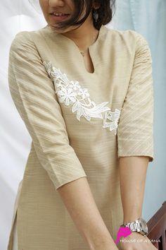 Dress Neck Designs, Designs For Dresses, Blouse Designs, Collar Kurti Design, Kurta Neck Design, Simple Kurta Designs, Kurta Designs Women, Silk Kurti, Churidar Designs