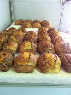 Πασχαλινο εδεσμα Κυπρου French Toast, Easter, Bread, Breakfast, Food, Breakfast Cafe, Essen, Breads, Baking