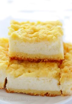 Cream Pie Bars - fluffy filling with yogurt and sour cream, flavored with lemon zest