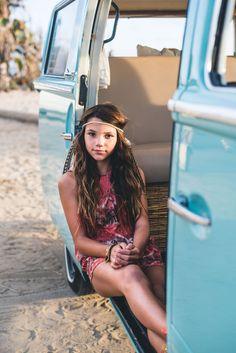 Vw Bus, Retro Bus, Camper, Volkswagen Minibus, Bus Girl, Artsy Photos, Girl Photography, Family Photographer, Family Photos