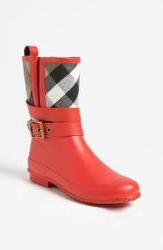 Burberry rain boots. i'm in love!