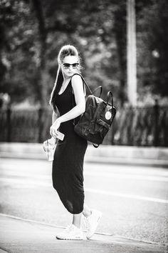 kanken laptop black fjallraven white nike airmax b/w style blogger maxi topshop dress
