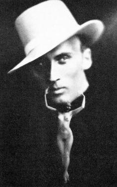 Kārlis Padegs . Autoportrait, collage. 1911-1940...(28)