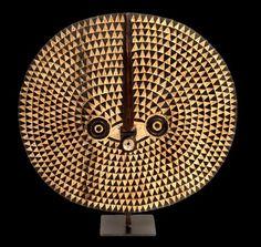 Máscara que representa el sol, de los Bwa, en Burkina Faso.