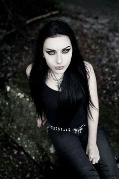 Baph O Witch is an alternative and Goth model from Germany. Check out her classic Goth look! Gothic Girls, Hot Goth Girls, Emo Girls, Goth Beauty, Dark Beauty, Gothic Dress, Gothic Outfits, Dark Fashion, Gothic Fashion