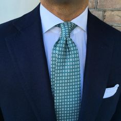 "violamilano: "" of wearing a Viola Milano ""Cube Pattern self-tip silk - Verde"" tie & handrolled Linen pocket square… Buy all new Items online today at. Shirt Tie Combo, Suit Combinations, Preppy Men, Sharp Dressed Man, Fine Men, Suit And Tie, Dress For Success, Wedding Suits, Stylish Men"