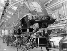 Click image for larger version Name: 1958 Mercedes 300SL assembly line..jpg Views: 230 Size: 109.9 KB ID: 444756