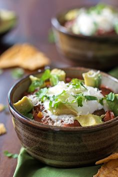 This is the best recipe for homemade Healthy Slow Cooker Chili! It's quick, easy and simple to prepare because it's cooked in a crockpot. This is amazing to serve on gameday or take it with you when you go tailgating!