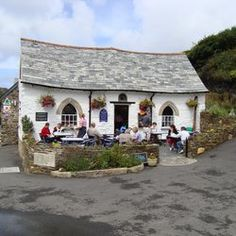 Harbour Lights tea cottage in Boscastle. Such a sweet little place to visit. Yes, I know it's not thatched, but I like it. Devon And Cornwall, Cornwall England, London England, North Cornwall, England And Scotland, English Countryside, Hotels, British Isles, Great Britain