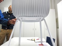 #Dragonfly making process: this is how a chair can defy (and win) gravity. In pic, Odo Fioravanti, Dragonfly creator.