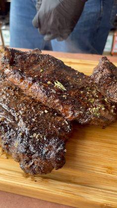Bacon On The Grill, Porterhouse, Bbq Kitchen, Tasty, Yummy Food, Steaks, Food Videos, Food Porn, Brunch