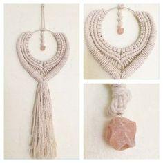 Makramee-Wandbehang Goddess of Love mit von auf Etsy Macrame Wall Hanging Diy, Macrame Art, Macrame Projects, Yarn Projects, Macrame Rings, Macrame Knots, Micro Macrame, Macrame Jewelry, Deco Boheme