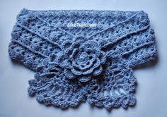 Free Crochet Scarf Pattern {Pretty Little Pineapple Neck Warmer}