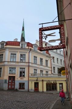 Old Tallinn, Estonia (Kurt Liljekvist).