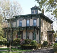 Victorian Houses: Learn about Home Styles Popular from 1840 to 1900