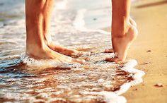 if dreams come true my engagement pictures will be at the beach. Beach Pictures, Couple Pictures, Beach Pics, Honeymoon Pictures, Kiss Pictures, Random Pictures, Claudia Mori, Photo Couple, Foto Art