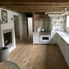 Awesome 55 Rustic Kitchen Apartment Decorating Ideas https://homeastern.com/2017/10/10/55-rustic-kitchen-apartment-decorating-ideas/