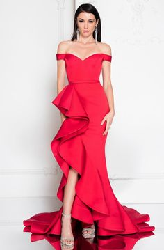 Shop Terani Couture prom 2020 mother of the bride, cocktail, homecoming, formal & evening dresses at Couture Candy. Discover 2020 Terani illusion mermaid gowns, off-shoulder & more prom dress styles. Couture Mode, Couture Fashion, Girls Dresses, Prom Dresses, Formal Dresses, Teal Dresses, Long Dresses, Mermaid Gown, Mermaid Skirt