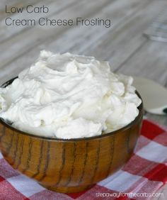 Low Carb Cream Cheese Frosting - an easy zero carb. sugar free, LCHF and keto recipe Cream Cheeses, Cream Cheese Desserts, Cream Cheese Recipes, Cream Cheese Frosting, Low Carb Sweets, Low Carb Desserts, Low Carb Recipes, Diabetic Recipes, Healthy Recipes