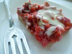 Save Green Being Green: Make It Monday: Rhubarb Dream Bars Rhubarb Desserts, Rhubarb Recipes, Just Desserts, Delicious Desserts, Dessert Recipes, Yummy Food, Bar Recipes, Dessert Ideas, Yummy Recipes