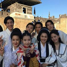 IU with MoonLovers cast photo