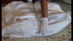 How to measure your wedding dress easily at home for the correct size preservation box. Wedding Gown Preservation, Sweet Love Story, How To Measure Yourself, Preserves, Baby Gifts, Wedding Gowns, Wedding Registries, Box, Weddings