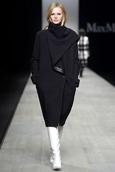 Max Mara Fall 2003 Ready-to-Wear Collection Slideshow on Style.com