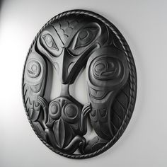 """Raven Frog"" cast forton panel by Haida artist Don Yeomans American Indian Art, Native American Art, Native Indian, Native Art, Arte Inuit, Crow Images, Spirals In Nature, Raven Art, Haida Art"