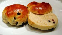 http://rjsadowski.hubpages.com/hub/Hungarian-Baked-Goods-Kenyer-Kalacs-Kifli-and-Pogacsa